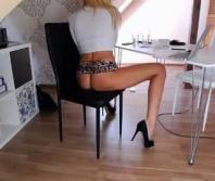 Sexy rubia muy caliente en directo