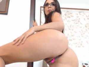 Morbosa Colombiana se da Placer por Webcam