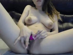 Imagen Niñera Sexy se Masturba en Casa de sus Jefes