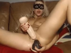 Imagen Rubia Cerda haciéndose Doble Masturbación