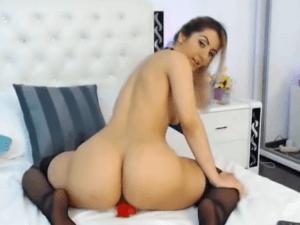 Image Anastasia hace Twerking encima de su Juguete