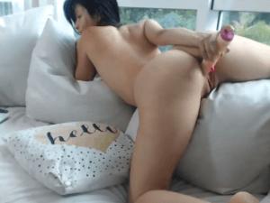 Imagen Chica Desesperada por Follar se Masturba