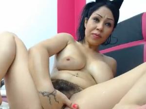 Esposa Traviesa Masturba su Coño en la Cam