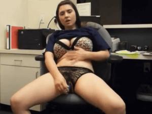 Susy de Barcelona Masturba su Coño en la Ofi