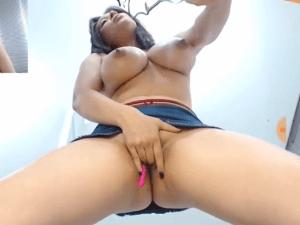 El Chocho mas Hermoso de esta Latina en Vivo en Webcam