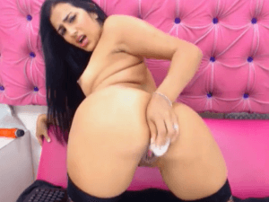 Putita Experta en Espectáculos Sexuales delante de la Cam