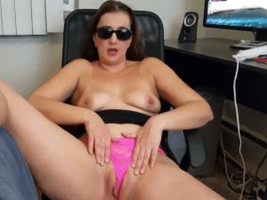 Señora Ama de Casa Porno Juega con Vibrador en la Cam