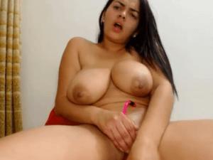 Sexy Latina se da una Follada XXX en Directo