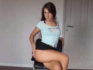 Imagen Bailarina Cachonda en Minifalda sin Bragas en Cámara Web