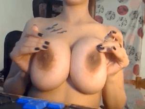 Imagen Mujer con Tetas grandes Porno Exhibiéndose