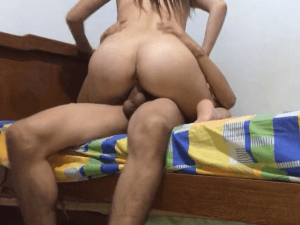Practican Sexo a Cambio de Dinero en Cam