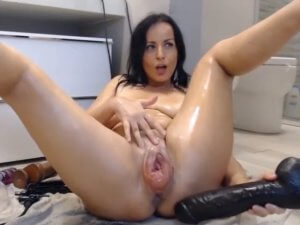 Imagen Mujer con el Coño Hinchado hace Show Hardcore por Webcam