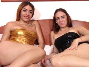 Imagen Latinas Lesbianas se Corren Juntas y Disfrutan Emitiendo en Webcam