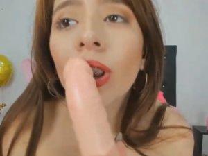 Imagen Espectáculo Adulto en el Chat con Mujer Sucia y Mojada
