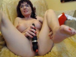 Image Señora Buenísima de 63 años se Masturba con Vibrador