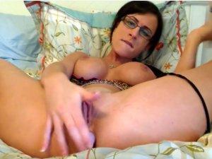 Chocho Cremoso Penetrado por Camgirl en Webcam