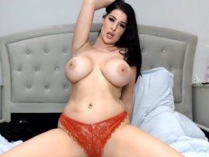 Tetuda Sensual Porno Goza Chateando en Lencería