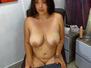 Image Donna grassa e bellissima in chat si tocca dal vivo