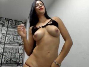 Estrella Porno Ayesa Chateando en Línea