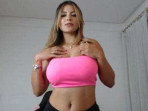 Image Nalgona Desnuda en la Cam se Pone a Cuatro Patas