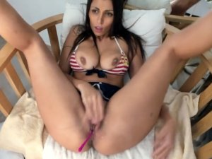 Chica Erótica Porno Conectada en Streaming