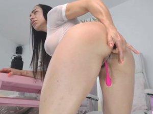 Mujer Fitness Desnuda se Folla el Chocho en la Webcam